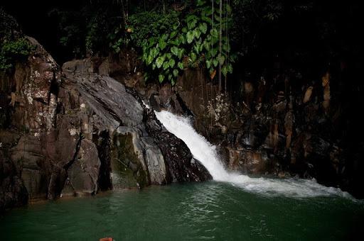 sources-cascades-bassins-riviere-guadeloupe-emeraude